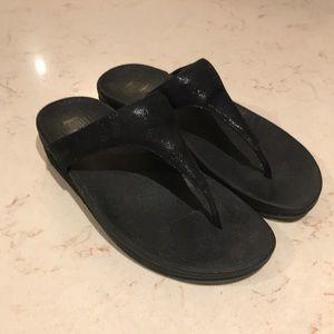 Fitflop black metallic thong wedge sandals SZ 8